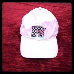 """MTV """"Dad hat"""""""